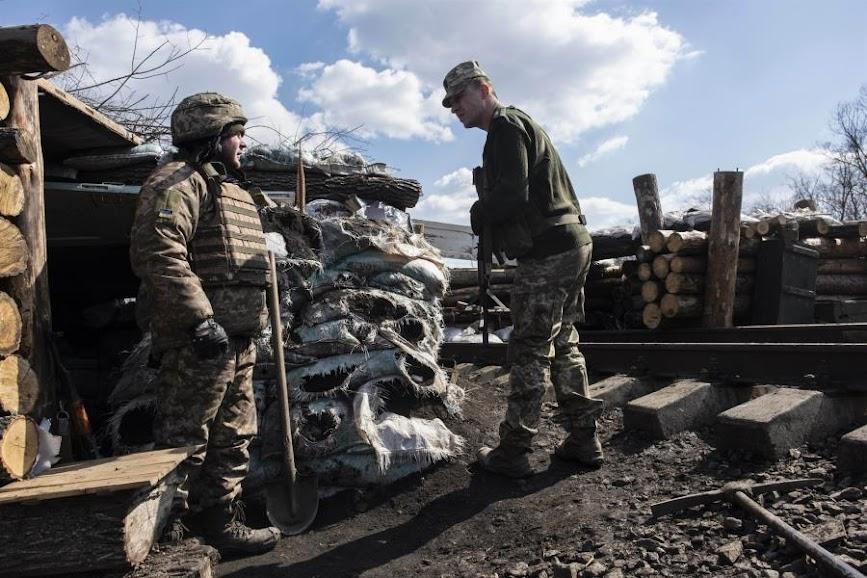 Ρωσία: Προειδοποιεί τη Δύση κατά οποιασδήποτε στρατιωτικής ανάμειξης στην Ουκρανία