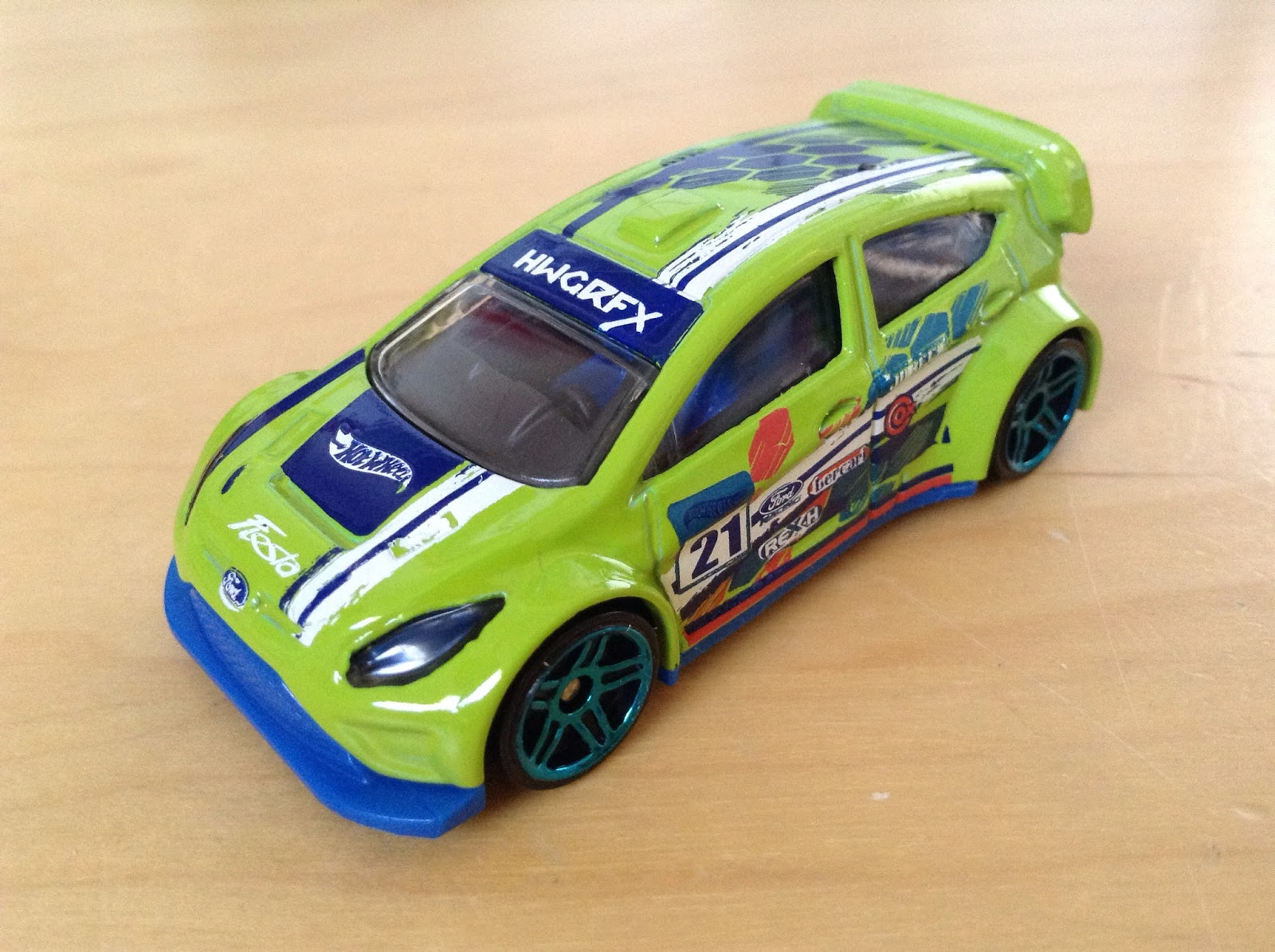 Julians Hot Wheels Blog 12 Ford Fiesta 2015 Road Rally Hotwheels Camaro Zl1 Green I Wasnt Originally Going To Get This But The Paint Job Was Too Hard Resist For Me Really Like Its Aqua Colored Rims