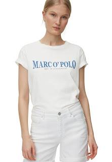 Marc O'Polo - Дамска Тениска с овално деколте и надпис   Marc O'Polo - Дамска Тениска с овално деколте и надпис  Характеристики Цвят: бял/син Принт: лого Материал: памук Кройка: стандартна Стил: ежедневен Модел: обло Деколте: обло Дължина ръкав: къс ръкав Състав Външна част: 100% памук