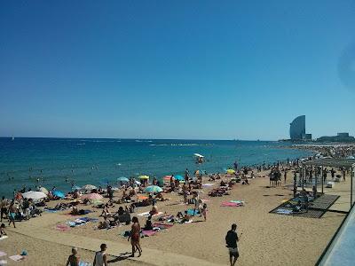 barcelona playa la barceloneta
