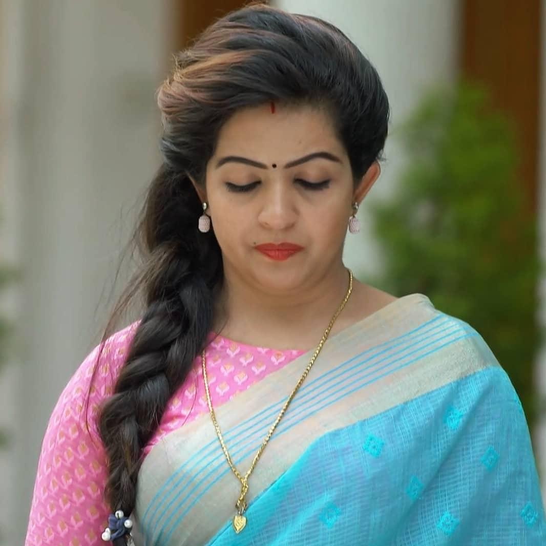 Mallu Serial Actress Blessy Kurian Beautiful Photos