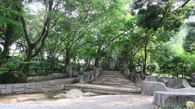 Rinshinomori park splashing pond