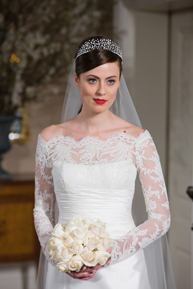 Get Kate S Look Lace Long Sleeved Wedding Dresses Belle