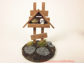 Small miniature roadside shrine T1534 25-28mm scale war game scenery piece - front view.