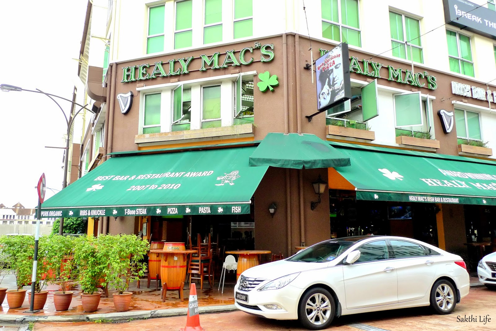 Healy mac 39 s irish bar restaurant greentown ipoh for Xi an food bar mt albert