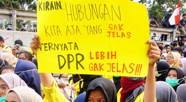 Ditanya Tuntutan ke DPR, Pelajar: Masa Mau Berhubungan Badan Diatur?