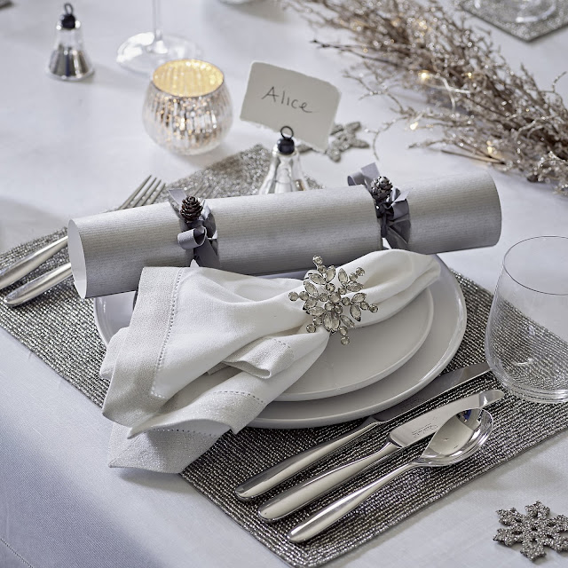 come apparecchiare la tavola a Natale decorazioni natale idee fai da te natale addobbi natale how to lay christmas table mariafelicia magno fashion blogger colorblock by felym fashion blogger italiane blog di moda lifestyle blog blog di cucina scappi idee decorazioni