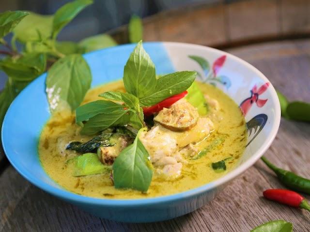 Coconut milk chicken curry | coconut milk Thai curry chicken