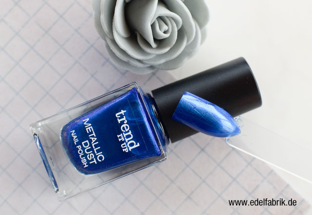 die Edelfabrik, trend IT UP Nagellack, Metallic Dust, Blau Swatch