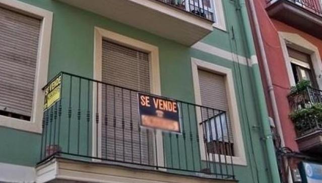 Comprar una vivienda en la Comunitat Valenciana supone 5,6 años de salario bruto, un 15,2% menos que hace diez años