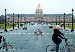 Les Invalides Bangunan terkenal di Paris