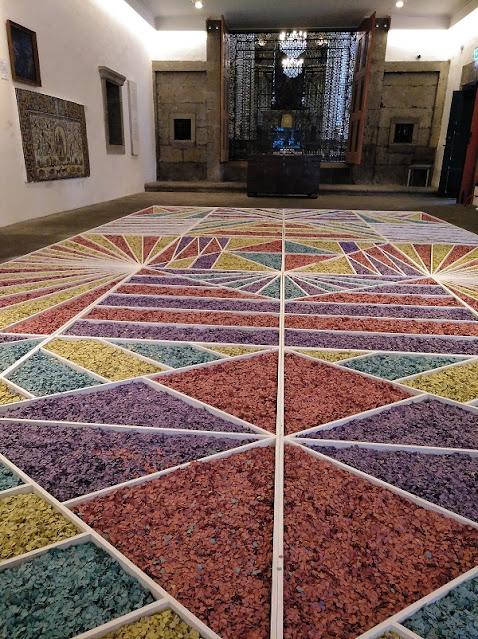 Ejemplo de suelo de flores en el interior del Museo de Carlos Machado en Ponta Delgada