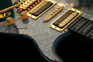 image Haywire Custom Guitars double cutaway violator