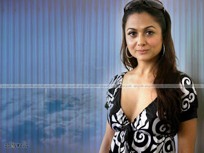 Hot and sexy Amrita Arora pictures, photos, pics and images