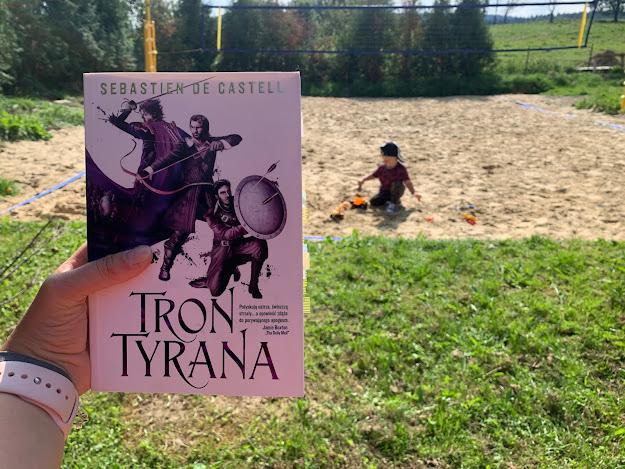 TRON TYRANA // SEBASTIEN DE CASTELL