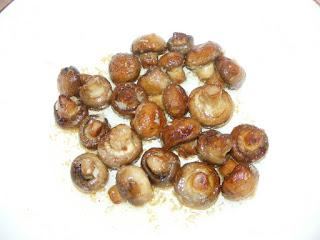 retete mancare ciuperci sote cu sos de usturoi,