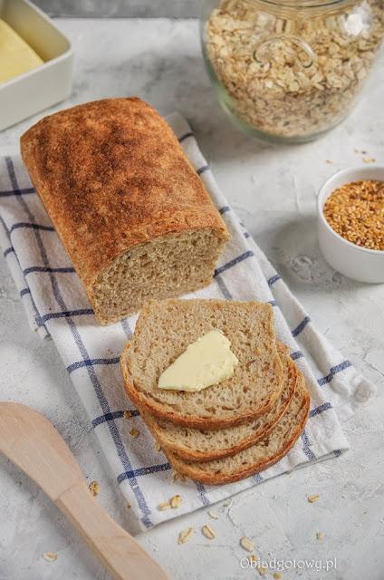 Chleb tostowy pszenno-owsiany na zakwasie