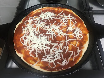 Homemade Cast-iron Skillet Pizza