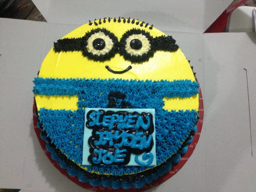 Birthday Cake Images Minions ~ Amy s sweet bite minion birthday cake