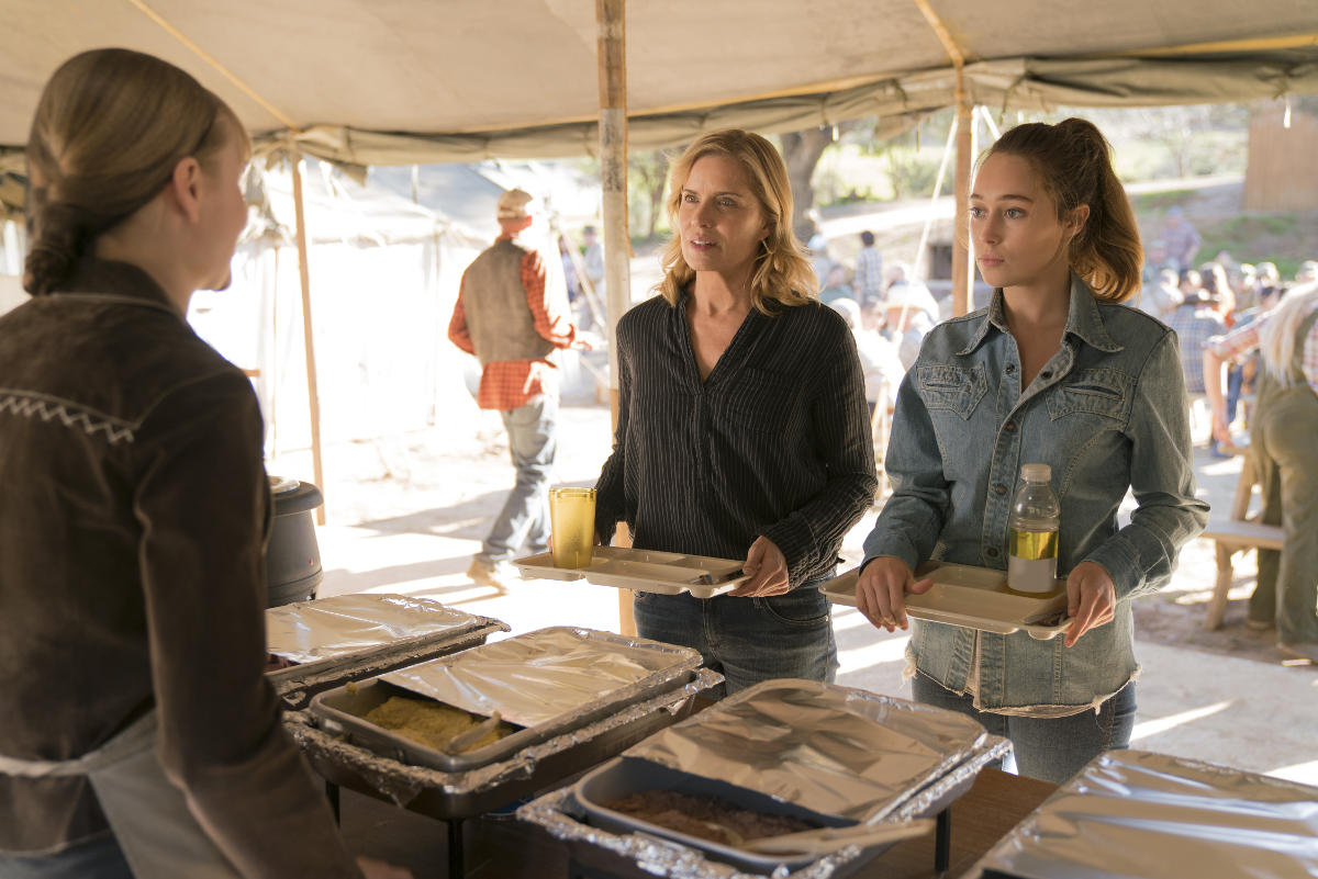 Madison y Alicia, en el episodio tres de la tercera temporada de Fear The Walking Dead