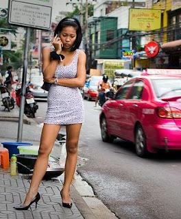 Thai Escort Lady Man In Hotel Room
