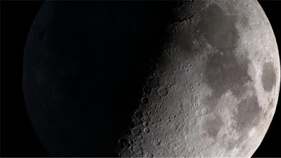 H NASA βρήκε νερό στη σκοτεινή πλευρά του φεγγαριού (εικόνα)