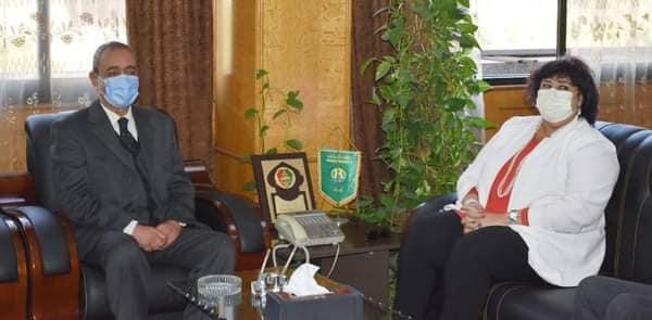 وزيرة الثقافة ومحافظ الاسماعيلية يبحثان سبل تكثيف الانشطة الابداعية بالمحافظة