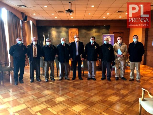 Alcalde Carrillo y Directiva de Bomberos de Osorno