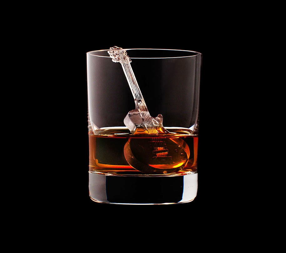 ice cube design 3d on the rocks suntory whisky-2