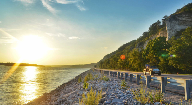 9 Stops to Make on a Great River Road Trip