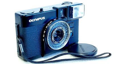 Olympus Pen EF (S.Zuiko 35mm 1:3.5) #018