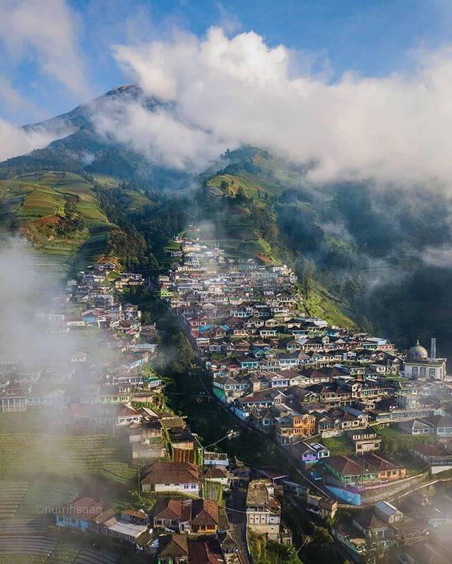 Dusun butuh Nepal van Java berkabut - Foto @nurrihsaan