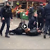 Γυναίκα συνελήφθη βίαια από την αστυνομία στο Παρίσι επειδή δεν είχε πιστοποιητικό (βίντεο)