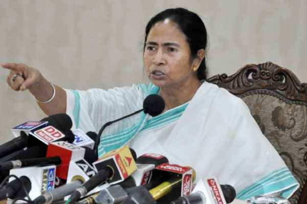 BJP slams Mamata for politicising army's mock drill