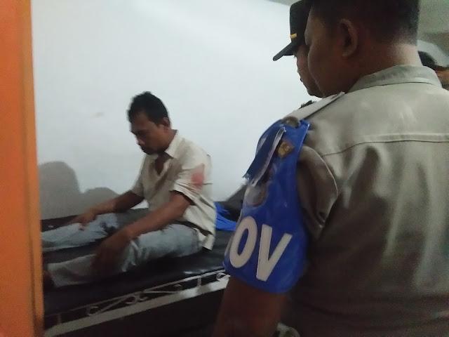 Niat memisahkan kawan berantam, Leher Aritonang ditikam pakai gunting