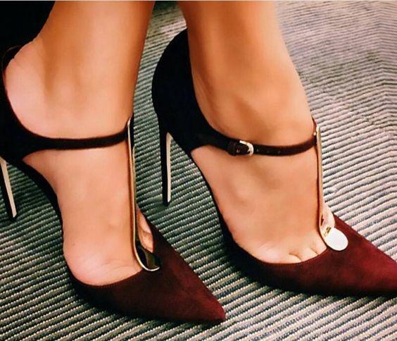 Burgundy shoe trend