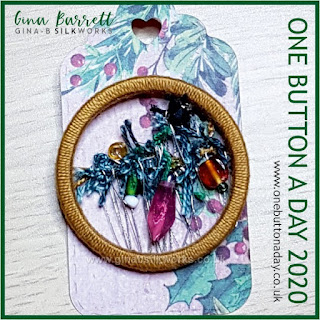 Day 359 : Christmas Spider - One Button a Day 2020 by Gina Barrett