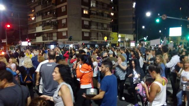 Cacerolazos en toda la Capital y Gran Buenos Aires contra el saqueo a los jubilados, Asignaciones y pensiones
