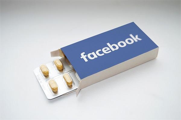 معلومات خطيرة وحقائق لا تعرفها  عن فيس بوك !!