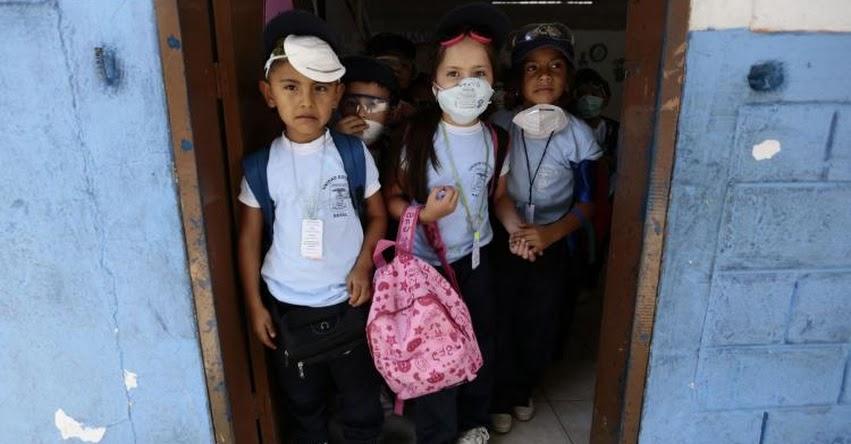 Autorizan retorno a las clases presenciales suspendidas por la pandemia en Ecuador