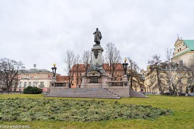 Pomnik Adama Mickiewicza, Krakowskie Przedmieście
