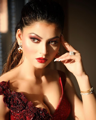 Urvashi Rautela Wallpapers, Pictures, Images & Photos
