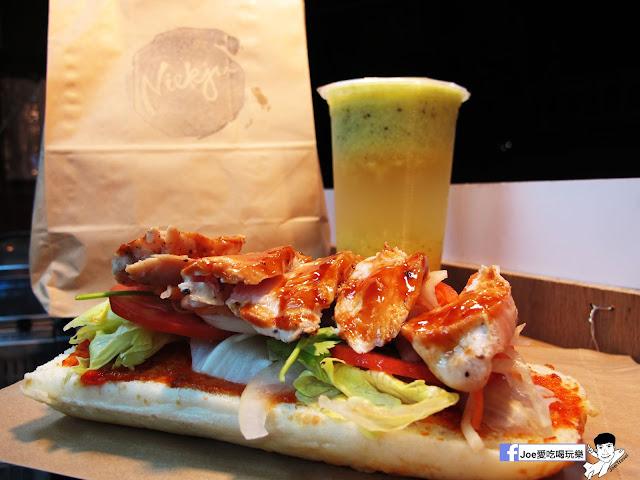 IMG 4933 - 【熱血採訪】NickJu 尼克啾 碳烤法式三明治 位於中國醫附近的尼克啾 NickJu 主打法式三明治,把餐廳所用的食材搬到街頭,讓客人用平價價格吃到高檔美味