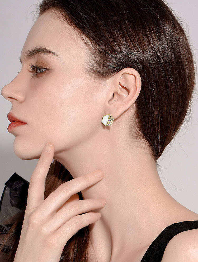 綺拉個性風六邊形水鑽耳環
