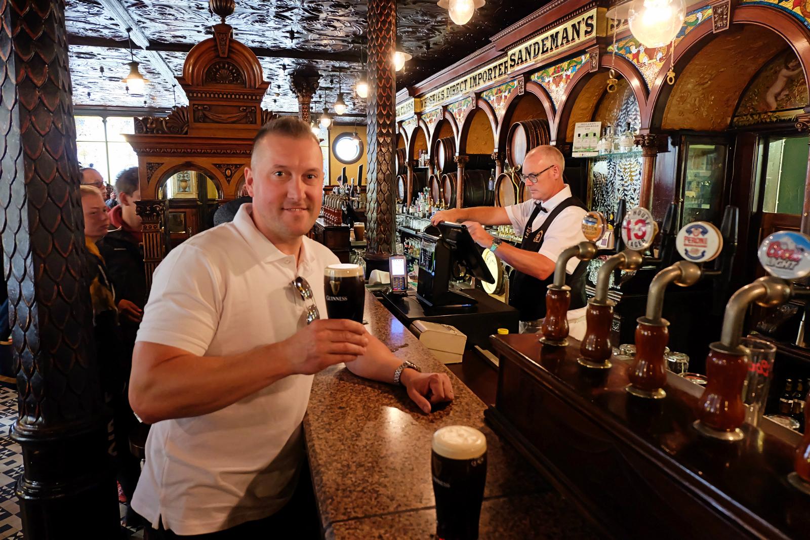 słynny pałac dżinowy - The Crown Liquor Saloon Belfast