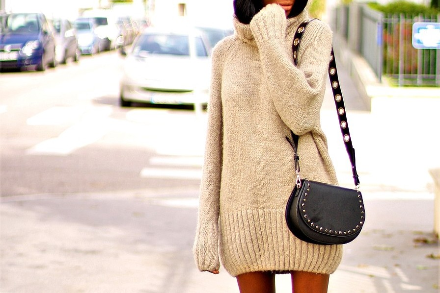 robe-pull-sac-bandouliere-clous