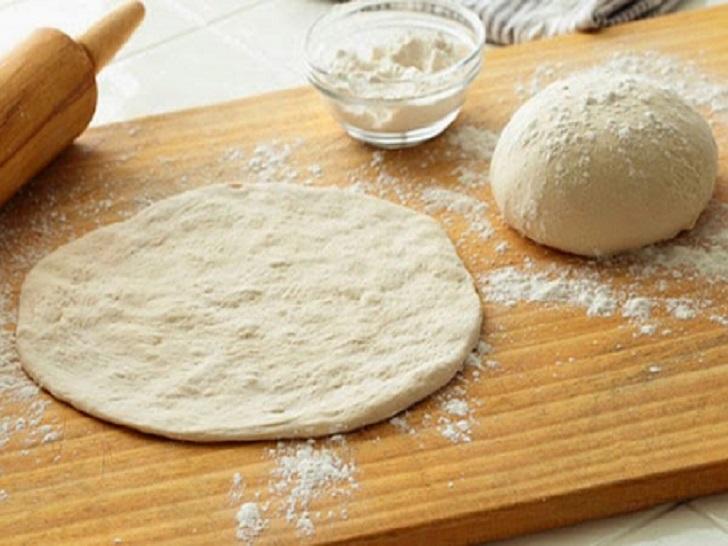 Mayasız Pizza Hamuru Nasıl Yapılır