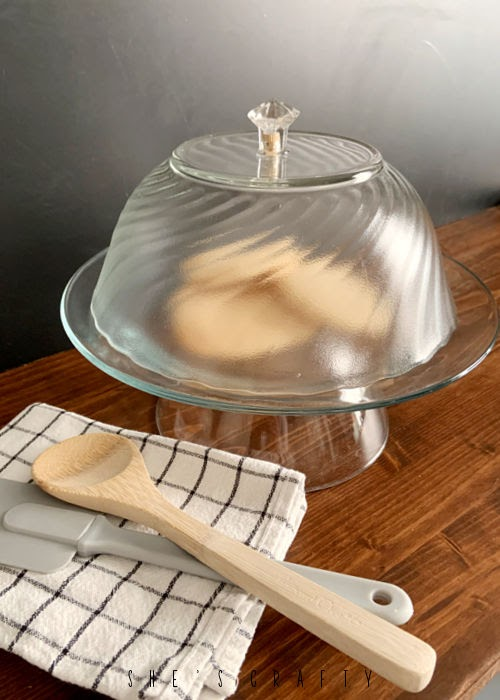 How to make a temporary cake stand with a dome cover