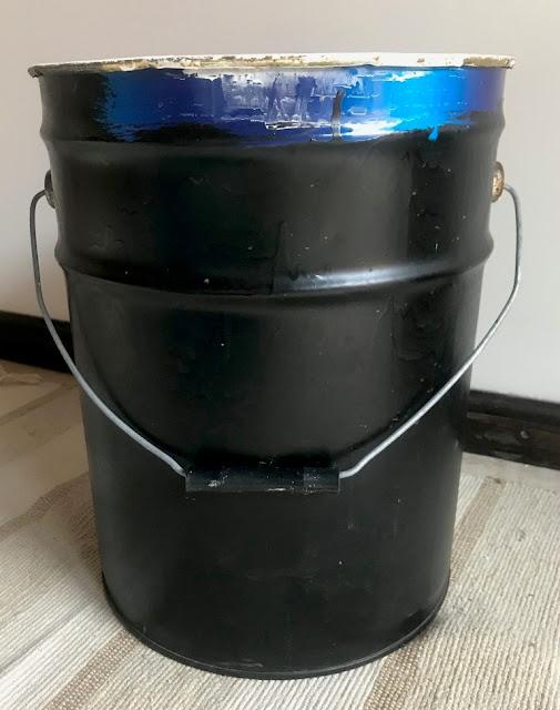 Lata de pintura reciclada