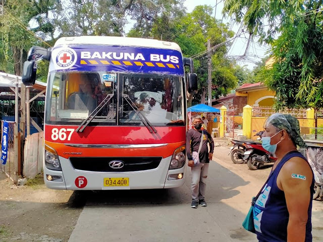 'Bakuna Bus' of the Philippine Red Cross, plods along Lucena City